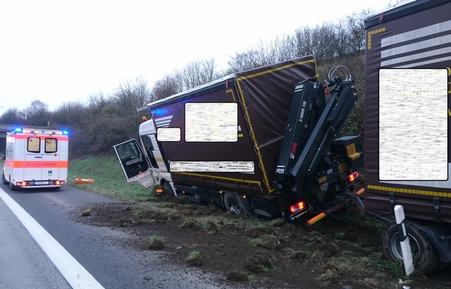 POL-VDKO: Verkehrsunfall mit Gliederzug