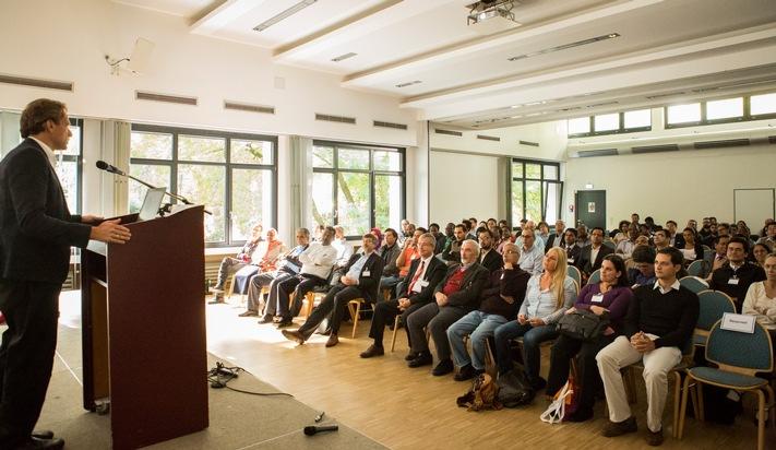Prof. Dr. Lars Ribbe spricht bei der Abschlussveranstaltung der internationalen Fachkonferenz ?Water Security and Climate Change?. (Foto: Heike Fischer / TH Köln)