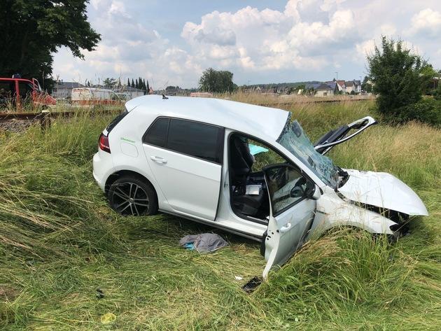 Unfallfahrt am Bahnübergang in Niederhadamar