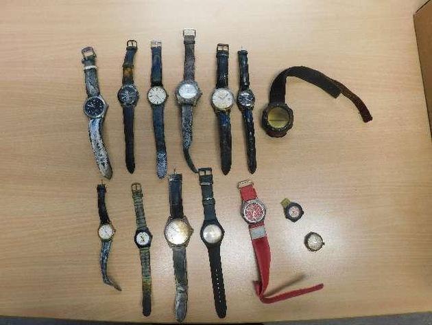 Wer kennt diese Uhren?