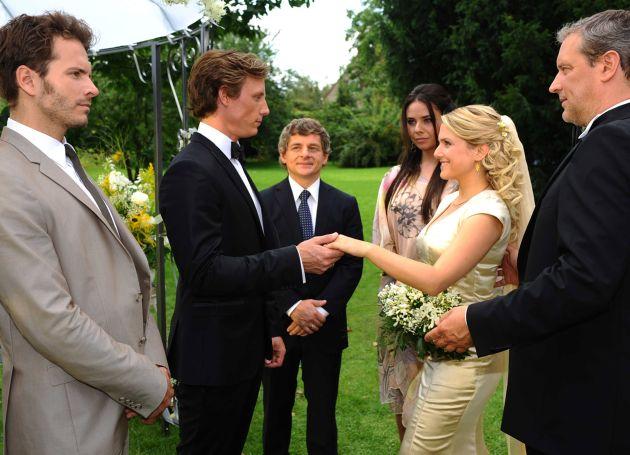 Endlich Traumhochzeit Anna Heiratet Ihren Tom In Der Sat 1 Telenovela Anna Und Die Presseportal