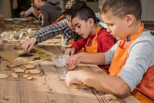 PM: 400 Kinder backen in der KlimaBackstube im Klimahaus