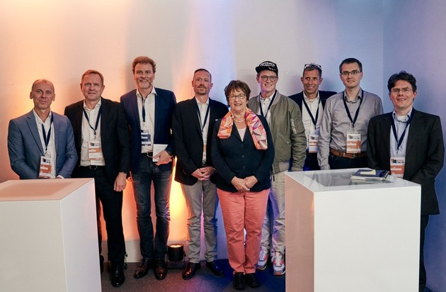 DUB UNTERNEHMER-Akademie launcht Digital Think Tank