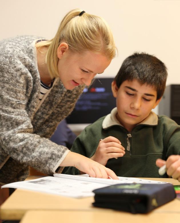 Studienkreis unterstützt Flüchtlingskinder. Der Studienkreis - ein Unternehmen des Münchner AURELIUS Konzerns - gehört zu ...