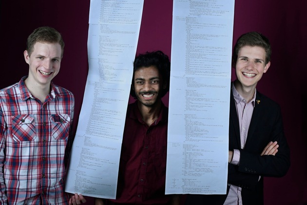 Benedikt Stock, Abhik Pal and Marco David (from left) from Jacobs University Bremen were awarded the ?Special Prize of the Federal President for exceptional work?. Photo: Stiftung Jugend forscht e. V.
