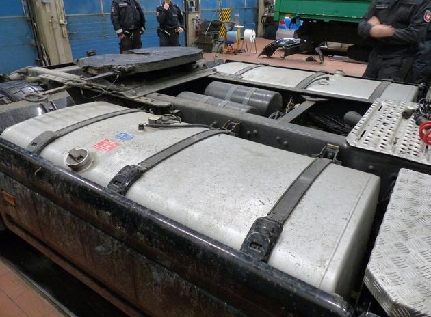 LKA-NI: Dealerring im Raum Hannover zerschlagen  +++180 Kilogramm Marihuana und Maschinenpistole beschlagnahmt+++