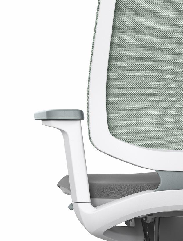 """World premiere at Orgatec 2018 - se:flex swivel chair - the best Sedus in its class. Weiterer Text über ots und www.presseportal.de/nr/43223 / Die Verwendung dieses Bildes ist für redaktionelle Zwecke honorarfrei. Veröffentlichung bitte unter Quellenangabe: """"obs/Sedus Stoll AG"""""""