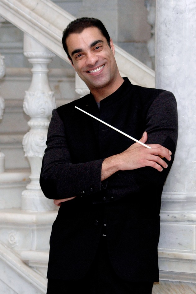 Zane Dalal, Chefdirigent des Symphony Orchestra of India