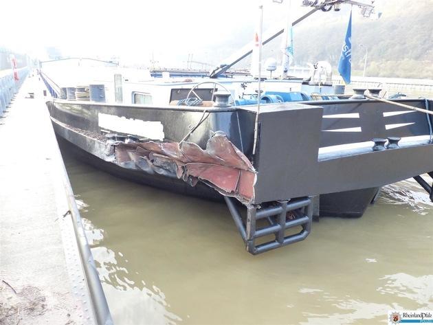Schaden am Gütermotorschiff in der Schleuse Fankel