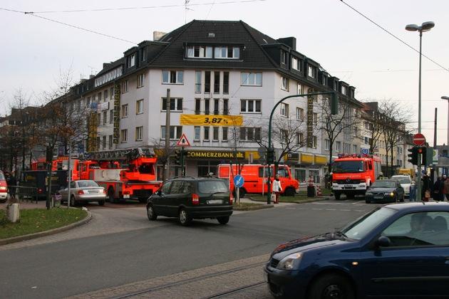 FW-E: Feuer in Essener Commerzbank-Filiale