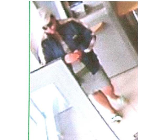 Fahndung nach Tatverdächtiger - Bilder Überwachungskamera