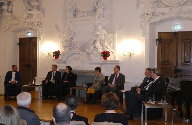30 Jahre nach dem Mauerfall Hanns-Seidel-Stiftung beleuchtet historische Situation im