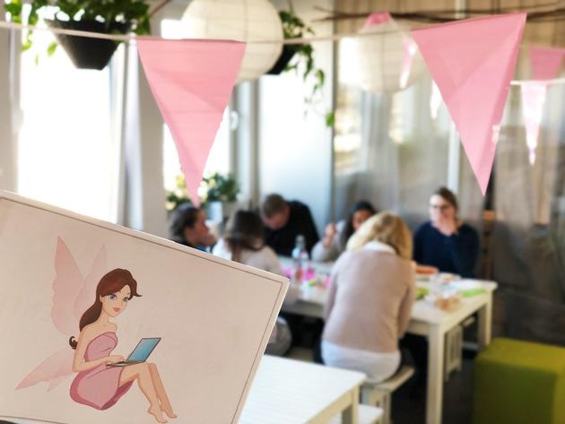 Bei einem gemeinsamen Mittagessen feiert die UNIQ GmbH den fünften Geburtstag des Fashion-Portals Schnäppchenfee. Foto: UNIQ