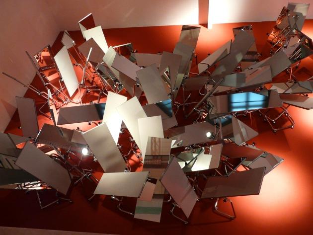 Anna Molska, Tanagram, 2006 / 2007  Video monocanale (bianco/nero, sonoro) 5:10 min.