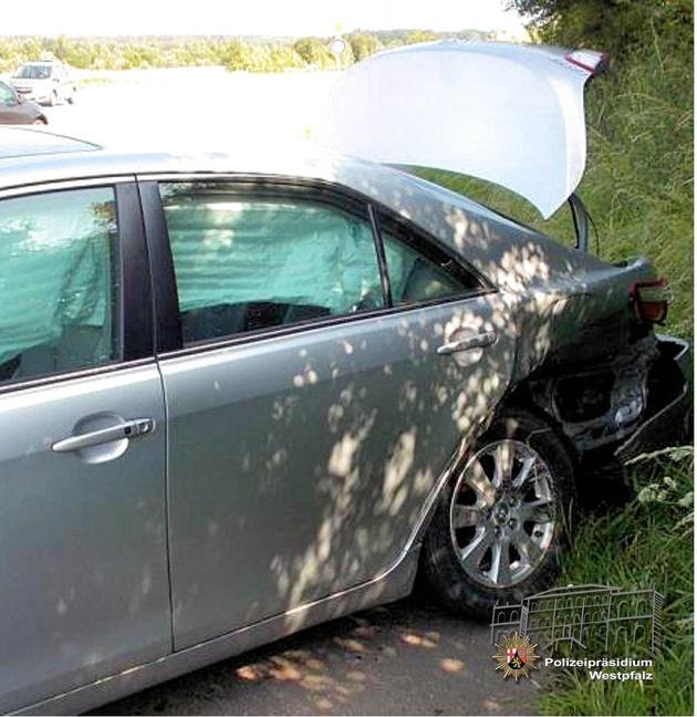 Am Toyota des Unfallverursachers entstand Sachschaden im linken Heckbereich.