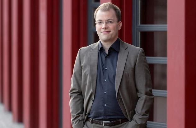 Nachtgesang: Antrittskonzert für Philipp Ahmann als neuem Leiter des MDR-Rundfunkchors