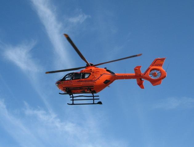 Symbolbild: Ein Rettungshubschrauber brachte das lebensgefährlich verletzte Kind in eine Unfallklinik