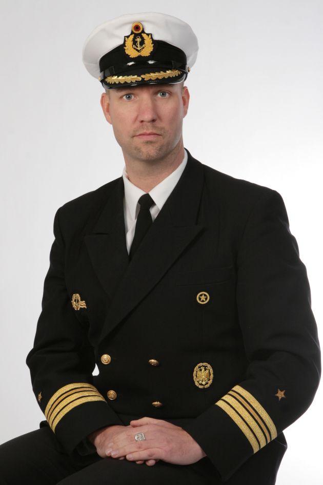 Achivbild: Der scheidende Kommandeur des 5. Minensuchgeschwaders, Fregattenkapitän Christian Bock. Foto: Deutsche Marine