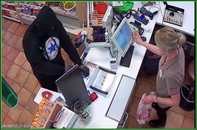 Bild 1 Überfall Tankstelle