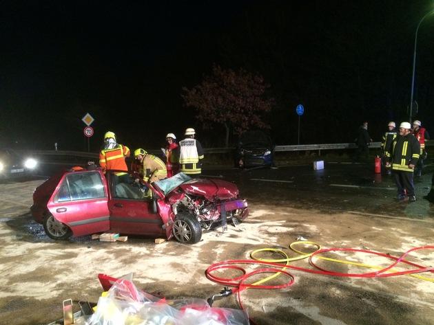 FW-Stolberg: Schwerer Verkehrsunfall mit zwei Verletzten