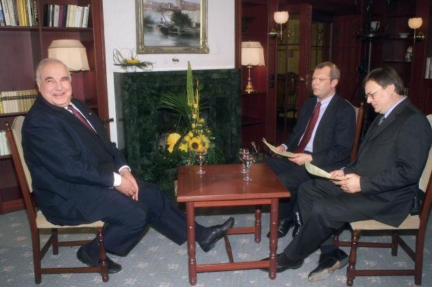 """""""Eine Frage der Ehre"""" - Das SAT.1-Interview mit Bundeskanzler a.D. Helmut Kohl / Donnerstag, 29. Juni 2000 um 0.20 Uhr"""