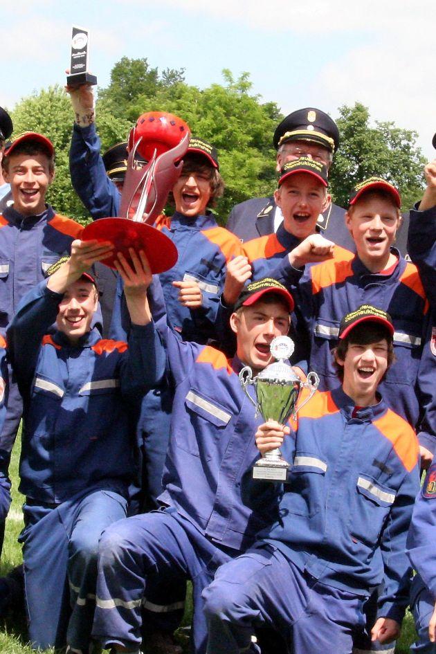 Die Jugendfeuerwehr Oberneukirchen aus Bayern sicherte sich beim CTIF-Jugendwettbewerb das Ticket für die Jugendfeuerwehr-Olympiade in Slowenien 2011 (Foto: Sebastian Groba/DFV)