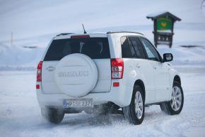 Suzuki bietet honorarfreie Pressebilder zum Thema Allradkompetenz