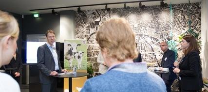 VIER PFOTEN Geschäftsführer Rüdiger Jürgensen beim Infopoint Tierschutz, Berlin, 22.11.2017 (c) VIER PFOTEN, Peter-Paul Weiler
