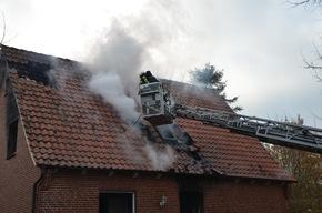 Dachziegeln werden aufgenommen