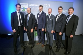"InnoTrans 2018 International Press Circle Dr. Ben Möbius, Managing Director, Verband der Bahnindustrie in Deutschland e. V. (VDB); Philippe Citroën, Director General, Union des Industries Ferroviaires Européennes (UNIFE);  Martin Schmitz, Managing Director for Engineering, Verband Deutscher Verkehrsunternehmen e. V. (VDV);  Dr. Christian Göke, CEO, Messe Berlin GmbH;  Olaf Zinne, Managing Director Electric Traction Systems and Vehicles Division, Zentralverband Elektrotechnik- und Elektronikindustrie e. V. (ZVEI); Matthias Steckmann, Senior Vice President, Business Unit Mobility & Services, Messe Berlin GmbH (v.l.n.r.) / Weiterer Text über ots und www.presseportal.de/nr/6600 / Die Verwendung dieses Bildes ist für redaktionelle Zwecke honorarfrei. Veröffentlichung bitte unter Quellenangabe: ""obs/Messe Berlin GmbH"""