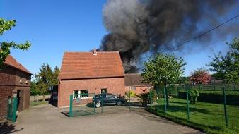 FW-WRN: Brennt Scheune in Holthausen