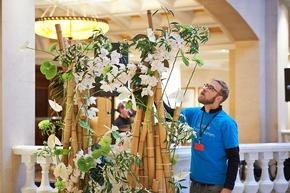 Presse-Info Fleurop: Mehr als 6.500 Blumen beim Bundespresseball