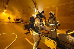 Schwerer Atemschutz im Tunnel