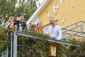 ?Botschafter? Tilman Langner und junge Klimadetektive / © VNG-Stiftung