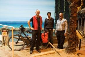 Von Samoa nach Bonn: Frances Namomou aus Fidschi und Tafue Lusama aus Tuvalu. Bildnachweis: Voigts/Klimahaus