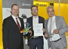 Stolze Preisträger (von links): Dr. Patrick Mehmert, Produktmanager der Simufact Engineering, Sebastian Flügel (Mitte), Projektleiter im CC Leichtbau der EDAG und Dr. Eric Klemp, COO der voestalpine