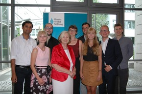 Die Preisträger mit der Vorsitzenden der Hanns-Seidel-Stiftung, Prof. Ursula Maennle