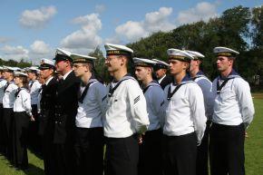 Offizieranwärter der Marine bei der Vereidigung. Foto: Deutsche Marine.