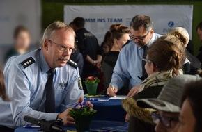 Topthema Ausbildung Bei Der Polizei