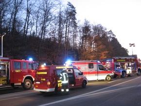Einsatzfahrzeuge an der Unfallstelle Bild Markus Fritsch Kreisfeuerwehrverband Calw