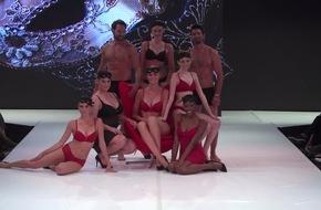 Schwangere Prominente bei Fashion Show / Zahlreiche prominente Stars feiern die Schwangerschaftskollektion von Ernsting´s family