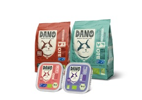 """DANO Getreidefreie Bio Pastete und Trockenfutter für Katzen. Weiterer Text über ots und www.presseportal.de/nr/131377 / Die Verwendung dieses Bildes ist für redaktionelle Zwecke honorarfrei. Veröffentlichung bitte unter Quellenangabe: """"obs/DANO - YARRAH ORGANIC PETFOOD B.V"""""""