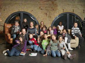 Promi-Vorlesen gegen Kinderarmut (mit Bild)