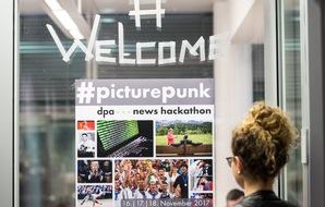 """Beim Hackathon #PicturePunk (16. bis 18. November) kamen im Newsroom der Deutschen Presse-Agentur rund 70 Entwickler, Designer und Redakteure zusammen. Insgesamt vier Preise wurden nach 48 Stunden in Berlin vergeben. (Foto: dpa, Silas Stein) Weiterer Text über ots und www.presseportal.de/nr/8218 / Die Verwendung dieses Bildes ist für redaktionelle Zwecke honorarfrei. Veröffentlichung bitte unter Quellenangabe: """"obs/dpa Deutsche Presse-Agentur GmbH/Silas Stein"""""""