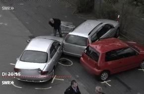 """Tatort Parkplatz - mehr Unfälle trotz Einparkhilfe / """"Marktcheck"""" am 7.11.2017, 20:15 Uhr, SWR Fernsehen"""