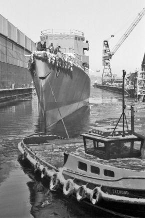 """Stapellauf und Taufe der Fregatte """"Karlsruhe"""" im Januar 1982. Foto: Deutsche Marine"""