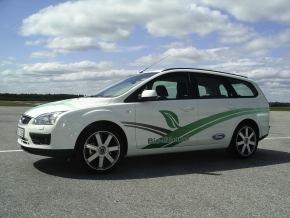 Ford fuehrt als erster Automobilhersteller Fahrzeuge mit Bio-Ethanol-Antrieb in Deutschland ein. Der Ford Focus FFV ...