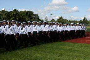 Einmarsch der Offizieranwärter der Marine bei der Vereidigung. Foto: Deutsche Marine.