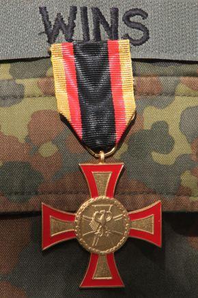 Das Ehrenkreuz der Bundeswehr in Gold. Foto: Ann-Kathrin Fischer, Deutsche Marine.