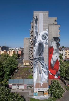 Foto 3 - One Wall von Francisco Bosoletti und Young Jarus in der Wassertorstraße 65, Credits: Nika Kramer